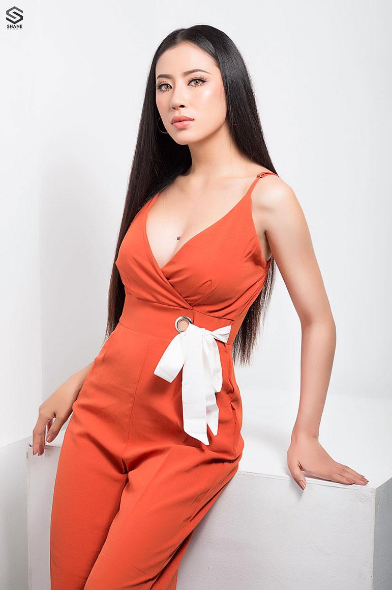 hnin thway yu aung mum 2018 miss universe myanmar
